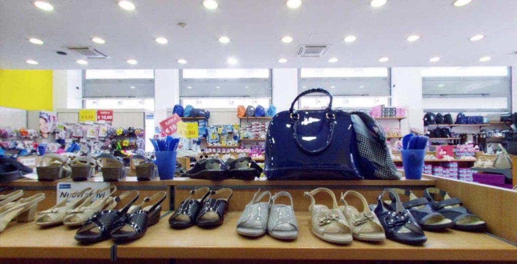 wholesale dealer b591a 69a18 Negozi di scarpe a Torino - Piediluna Calzature