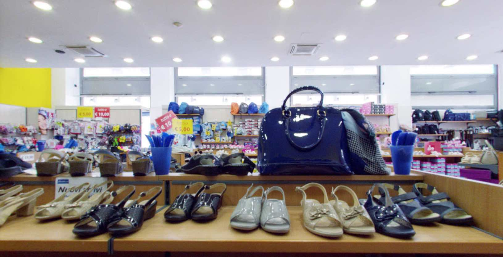 Negozi di scarpe a torino piediluna calzature for Negozi di arredamento torino